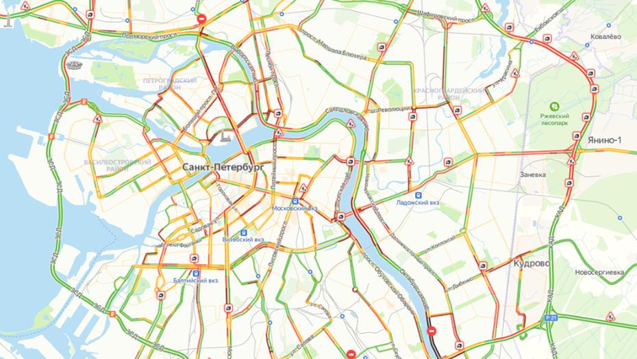 Пробки в Петербурге достигли 8 баллов
