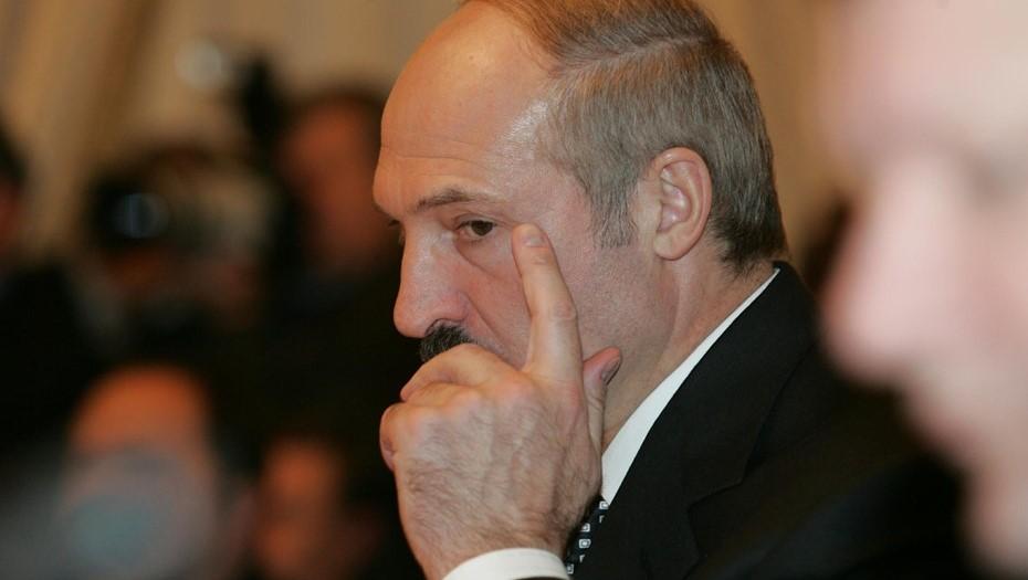 """Президента застрелили"": Лукашенко подготовит документ о передаче власти"