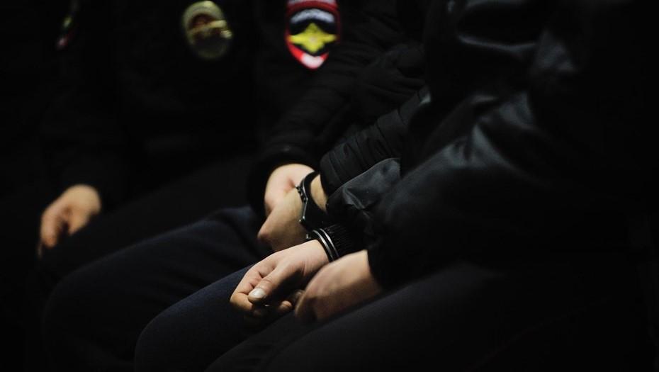Суд в Петербурге арестовал гостя свадьбы, открывшего стрельбу из кортежа
