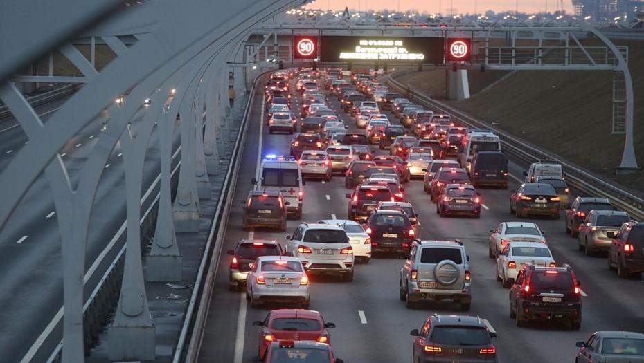 Утренние пробки в Петербурге достигли 6 баллов