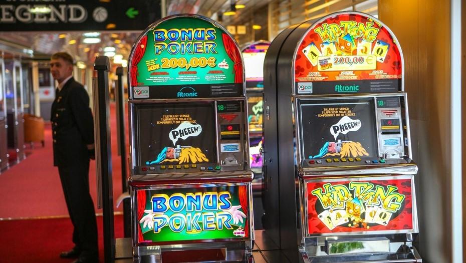 В четырех районах Петербурга закрыли шесть подпольных казино