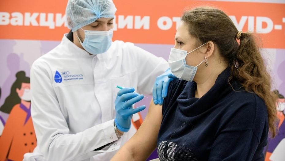 В Петербург доставили почти 30 тыс. доз вакцины от коронавируса