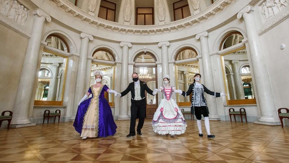 В Петербурге после 20 лет реставрации открыли Елагин дворец