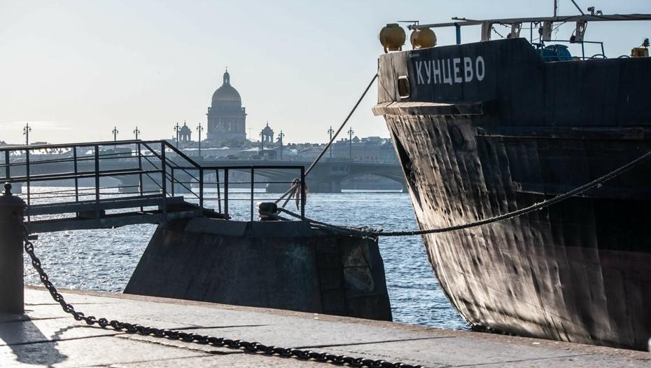 В Петербурге стартовал сезон навигации на Неве