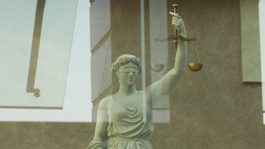 В Петербурге за взятку осудили экс-декана Университета гражданской авиации