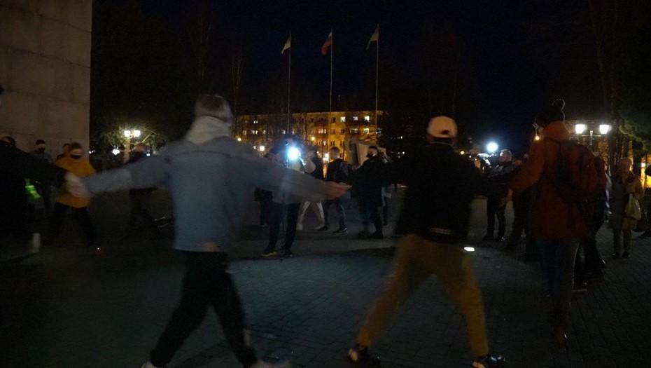 В Сыктывкаре несанкционированный протест завершился хороводом