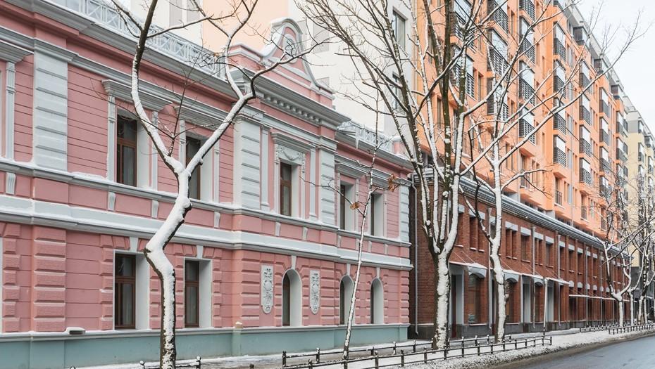 Васильевский преображается: от Гавани до Голодая заводы сдают позиции