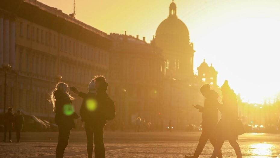 Антициклоны принесут в Петербург сухую погоду и плюс 25 градусов