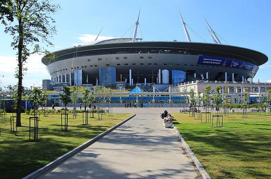 Иностранных болельщиков допустят на матчи Евро в Санкт-Петербурге, считает Сорокин