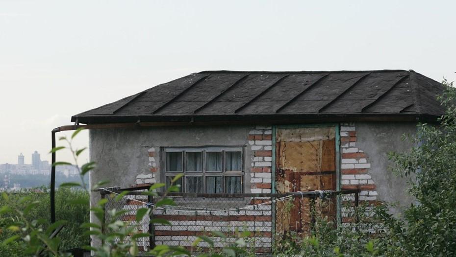 Из дачного дома под Петербургом украли сотни картин