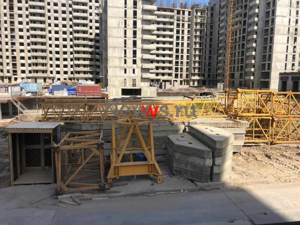 На стройплощадку ЖК «Терлецкий парк» доставили дополнительный башенный кран