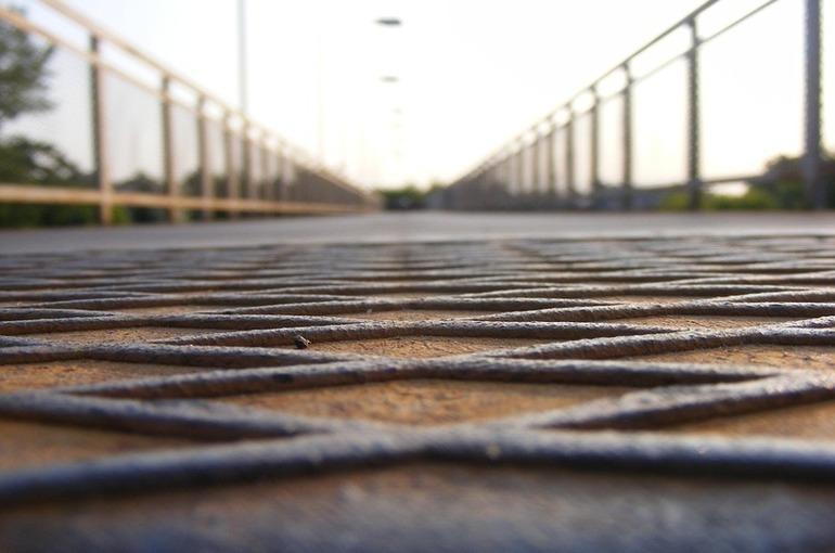 Кутепов: расходы на строительство и ремонт мостов необходимо увеличить