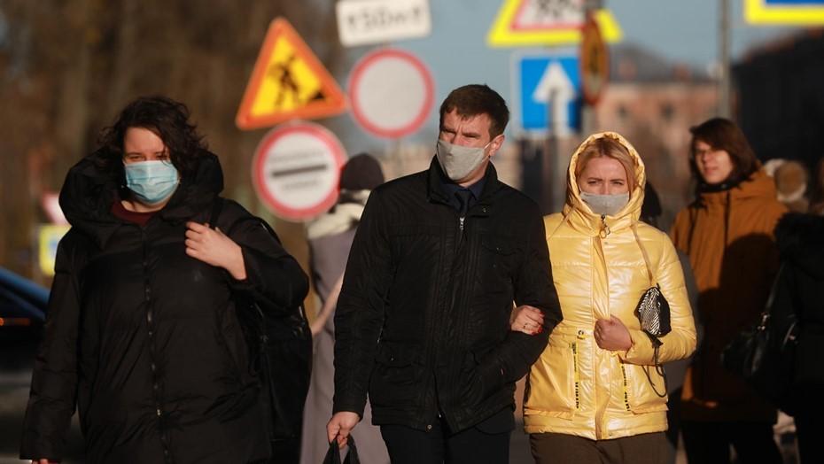 Москвичи больше опасаются третьей волны коронавируса, чем петербуржцы