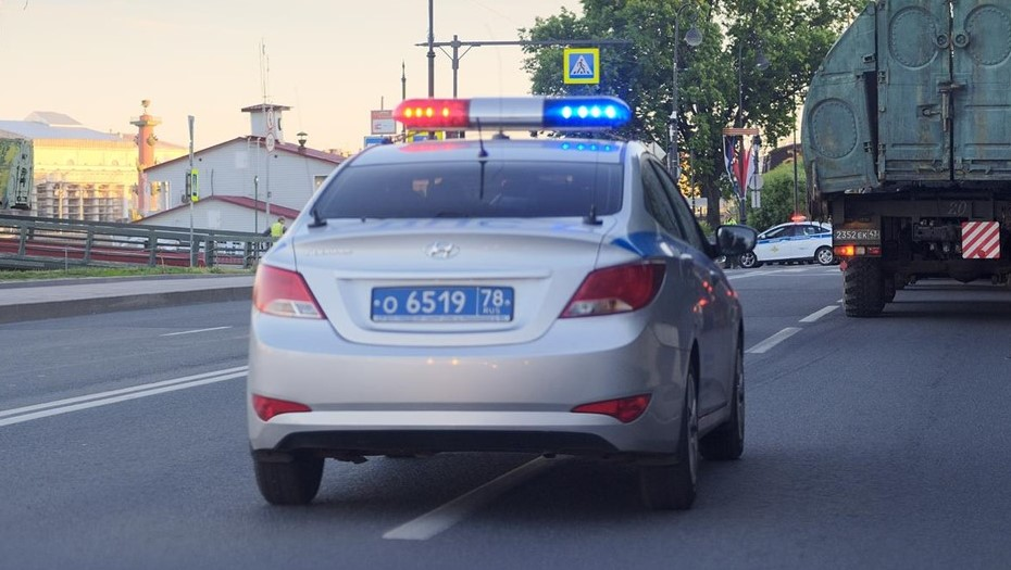 На Муринской дороге после погони задержали пьяного водителя