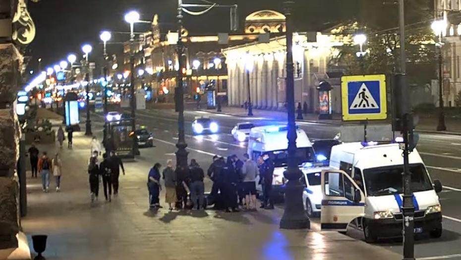 На Невском проспекте самокатчики сломали три ребра петербургскому писателю