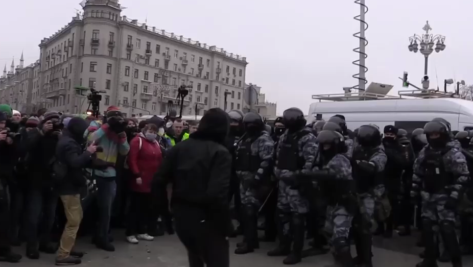 Обвинение просит 5 лет для чеченца, бившегося с ОМОНом на митинге
