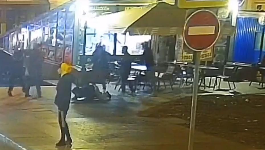 Опубликовано видео массовой драки на Думской