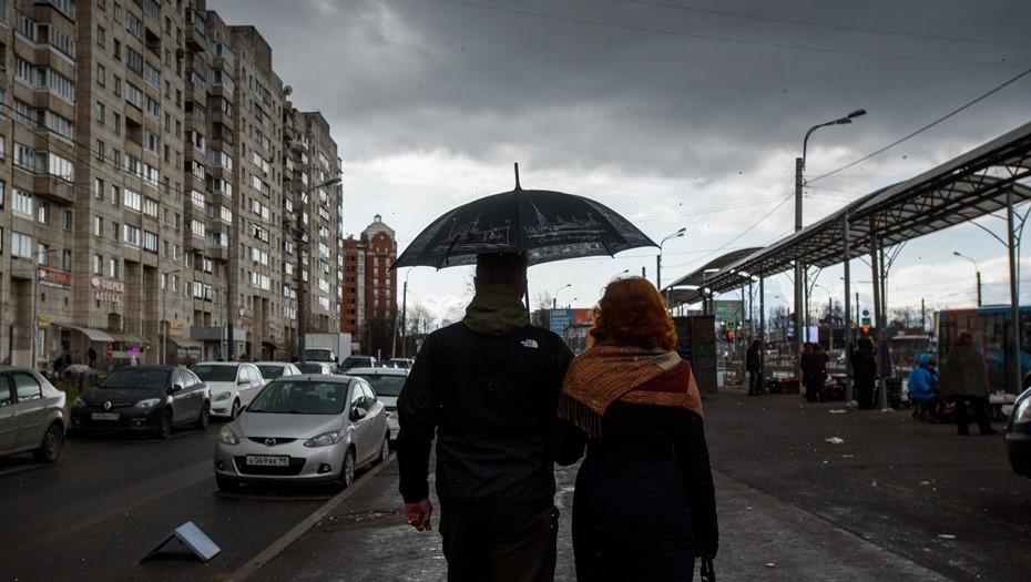Прохладно, местами дожди: Петербург вернулся к климатической норме