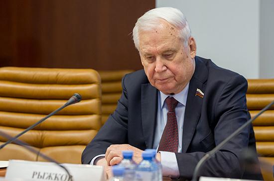 Рыжков назвал Лигачева политиком старой закалки