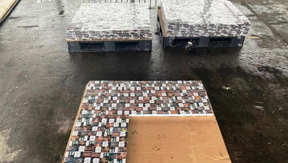 Таможенники нашли в экспортных досках 1,5 тонны белорусских сигарет