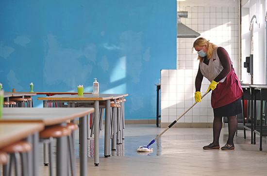 Уборщицам и другим школьным работникам предлагают платить за работу на экзаменах