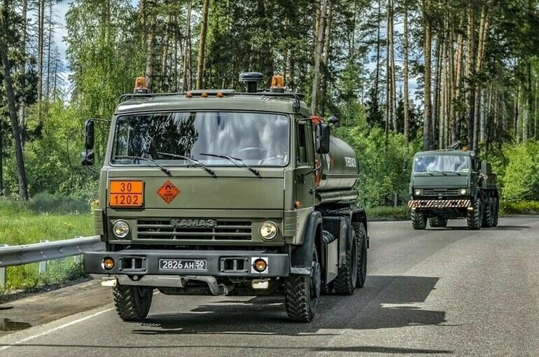 Военные автомобилисты отмечают профессиональный праздник