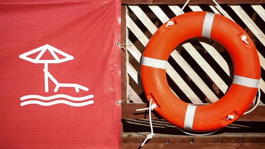 Двух тонувших школьниц спасли из Ольгинского пруда на севере Петербурга