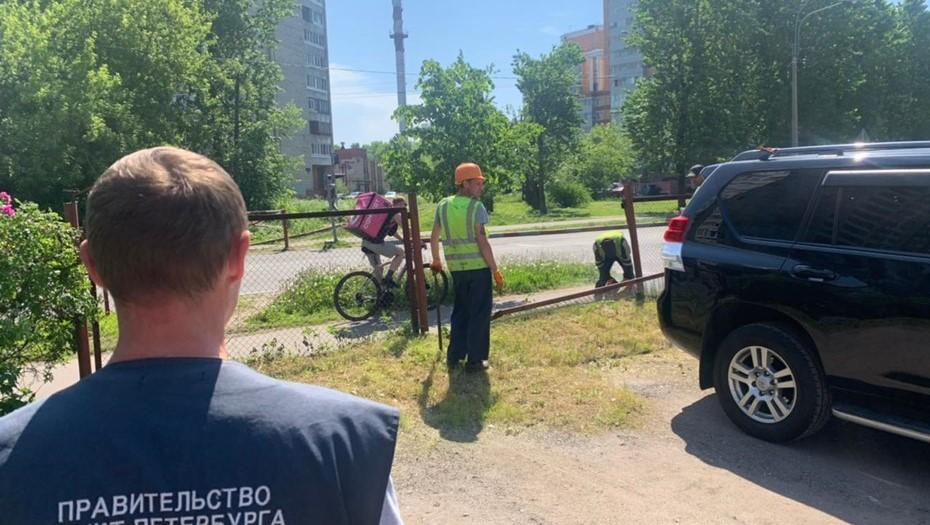 Инспекторы разбирают незаконные стоянки в пяти районах Петербурга