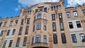 КГИОП Петербурга заявил в полицию из-за демонтажа лепнины с дома Орлова