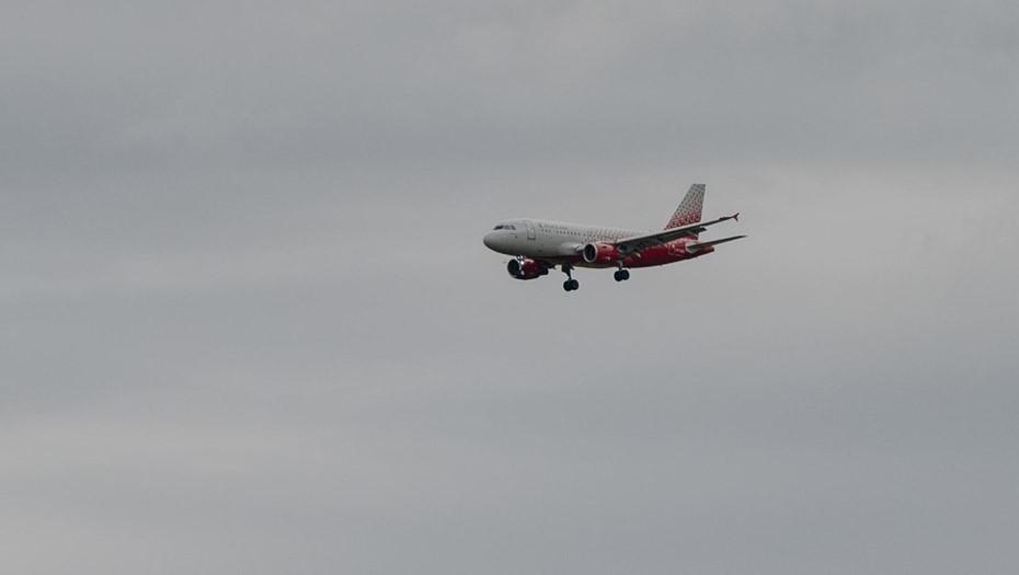 Летевший в Петербург самолёт развернули в небе над Тюменью