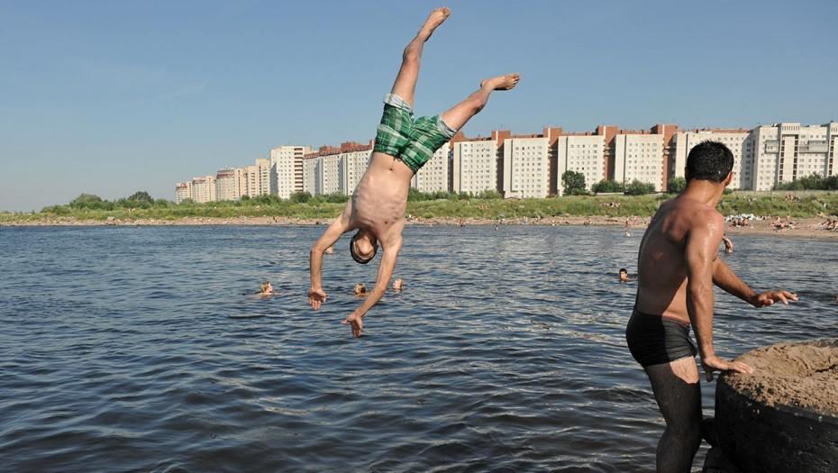 МЧС объяснило петербуржцам, как спастись от аномальной жары