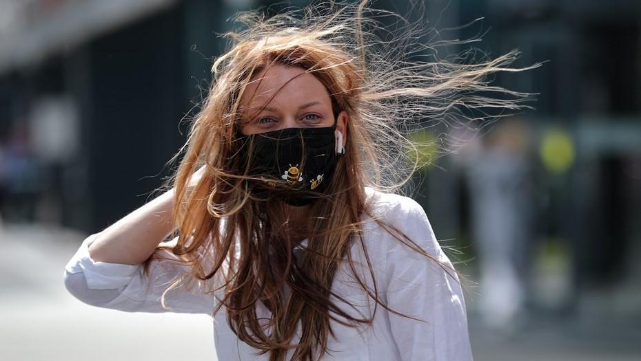 МЧС Петербурга предупредило, что самый жаркий вечер будет ветреным