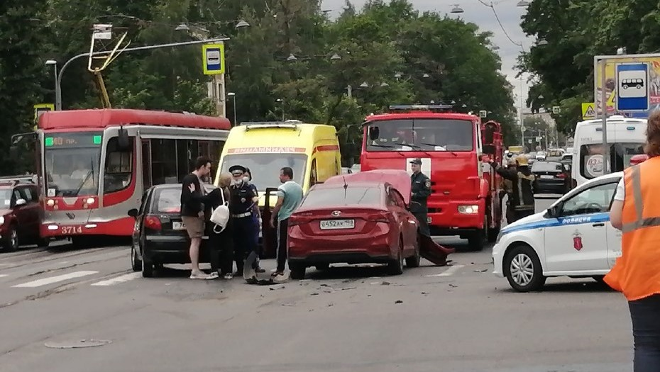 На 2-м Муринском женщина-водитель упала в обморок после ДТП