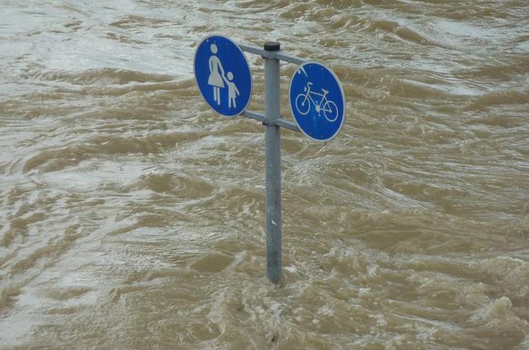 Освобождать от ответственности за коррупционные нарушения предлагают при наводнениях и эпидемиях