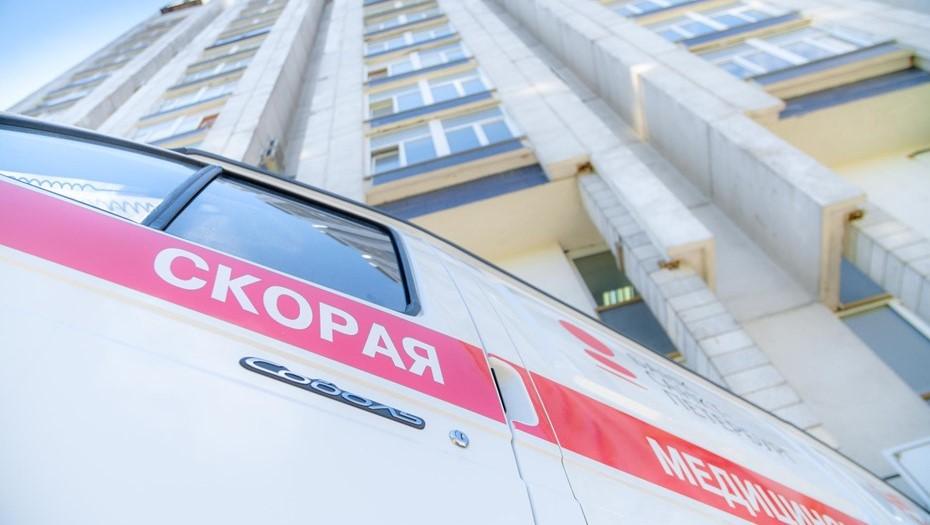 Петербурженка разбилась при попытке вылезти с 9-го этажа по простыням