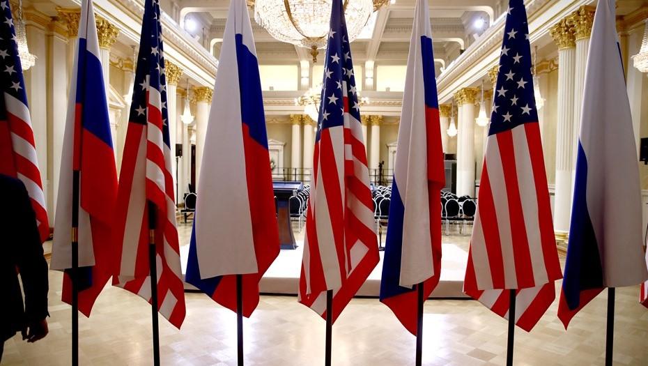 Посидели, поболтали: кому нужен президентский саммит