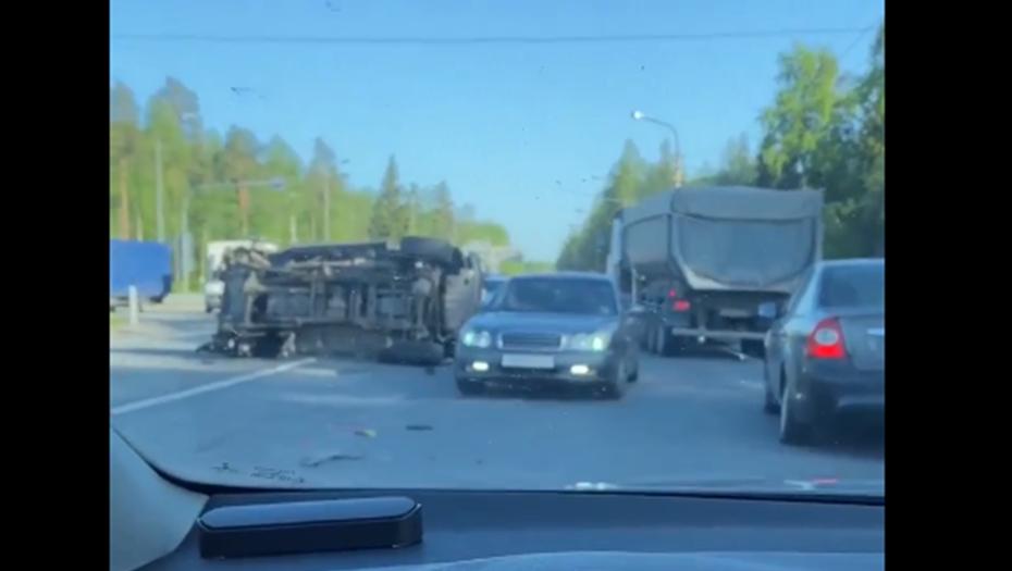 """""""Гелендваген"""" перевернулся на Зеленогорском шоссе"""