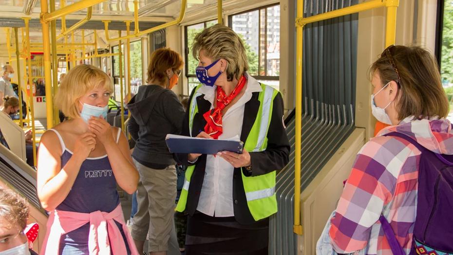 """""""Горэлектротранс"""" усилил проверку пассажиров на ношение масок"""