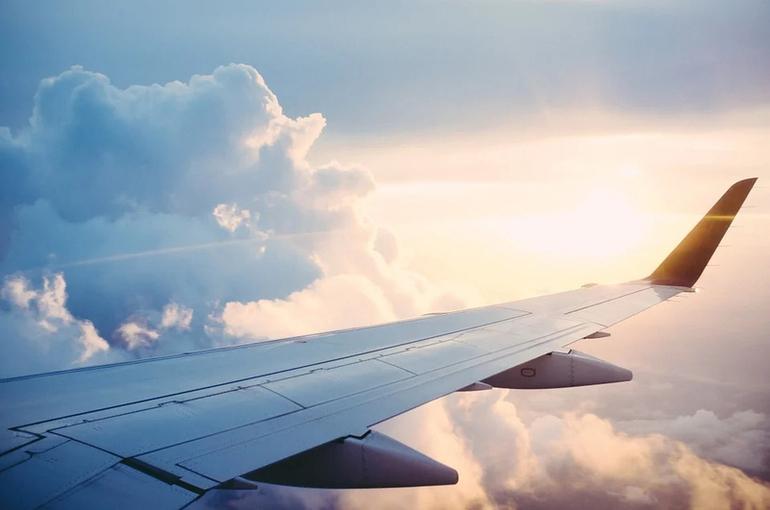 Россия возобновляет авиасообщение с США, Италией и шестью другими странами