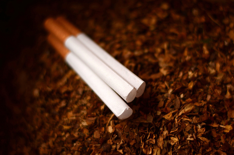 Россияне стали меньше курить и пить