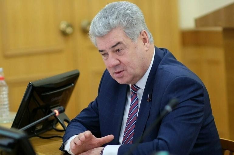 Сенаторы Бондарев и Иванов награждены орденом Александра Невского