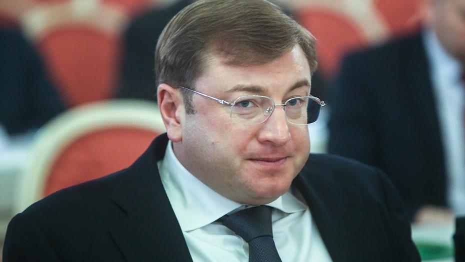 """2015 год. Дмитрий Михальченко получил почётный знак """"Инвестор года""""."""
