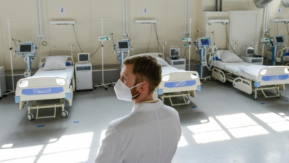 Суточный прирост заболевших COVID-19 в России сократился после воскресного пика