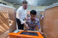 Для мигрантов в России хотят ввести электронное удостоверение личности