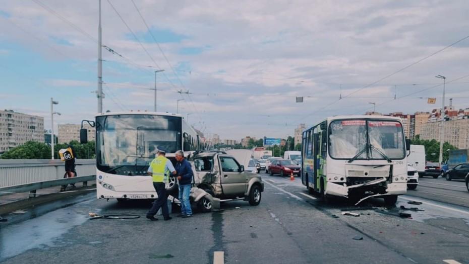 Двойная авария на Володарском изменила маршруты троллейбусов