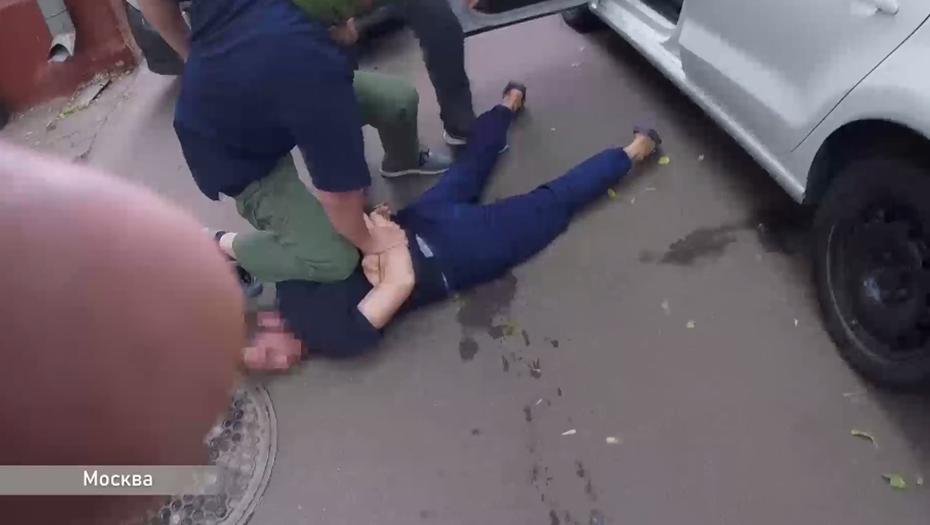 ФСБ показало задержание боевиков ИГ перед серией терактов