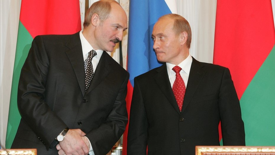 Лукашенко вылетает в Петербург на встречу с Путиным
