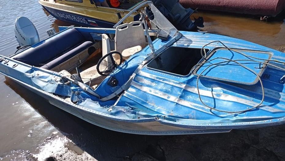 На реке под Вологдой столкнулись две лодки: три человека ранены, один пропал