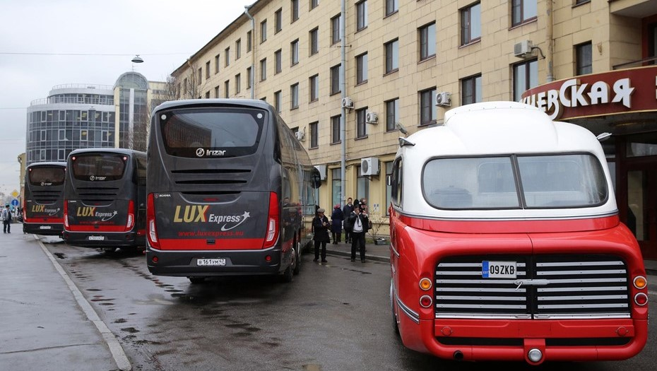 Перевозчик рассказал, кто ездит сейчас на автобусах Петербург — Таллин