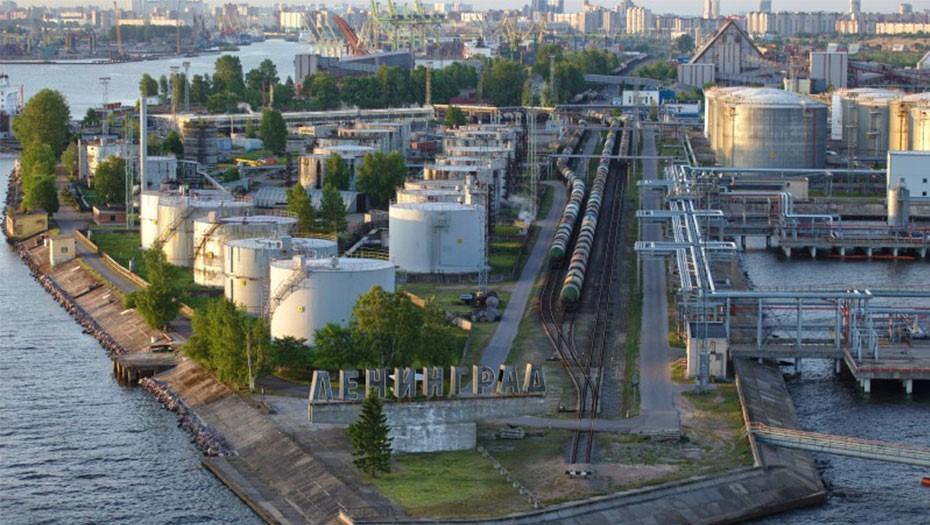 Порт переезжает, рекордная жара и скандал с Ваенгой: Петербург 7 июля